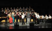 The Choir with sisters Vougioukli on stage